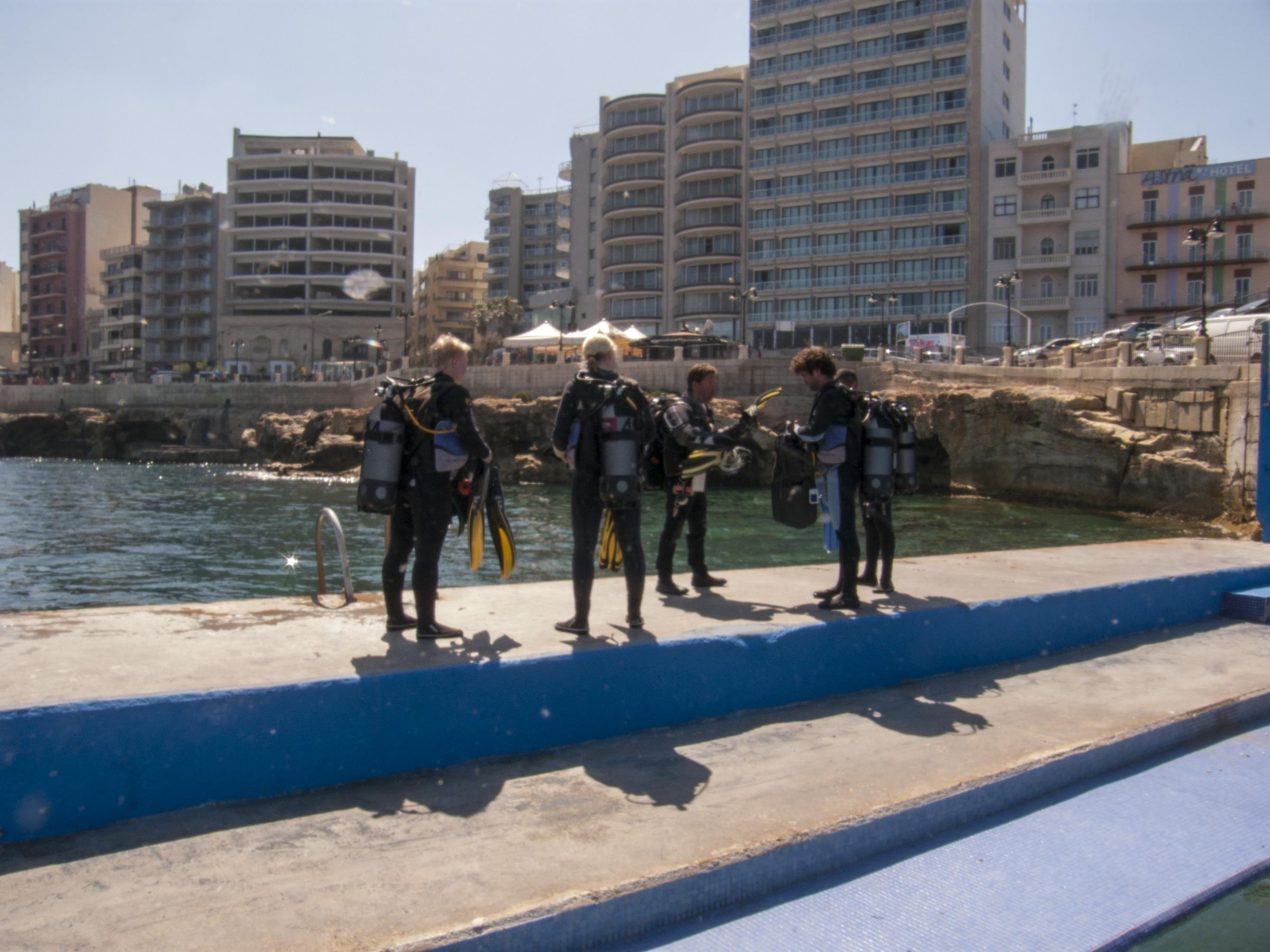 Divers at Sliema Pitch