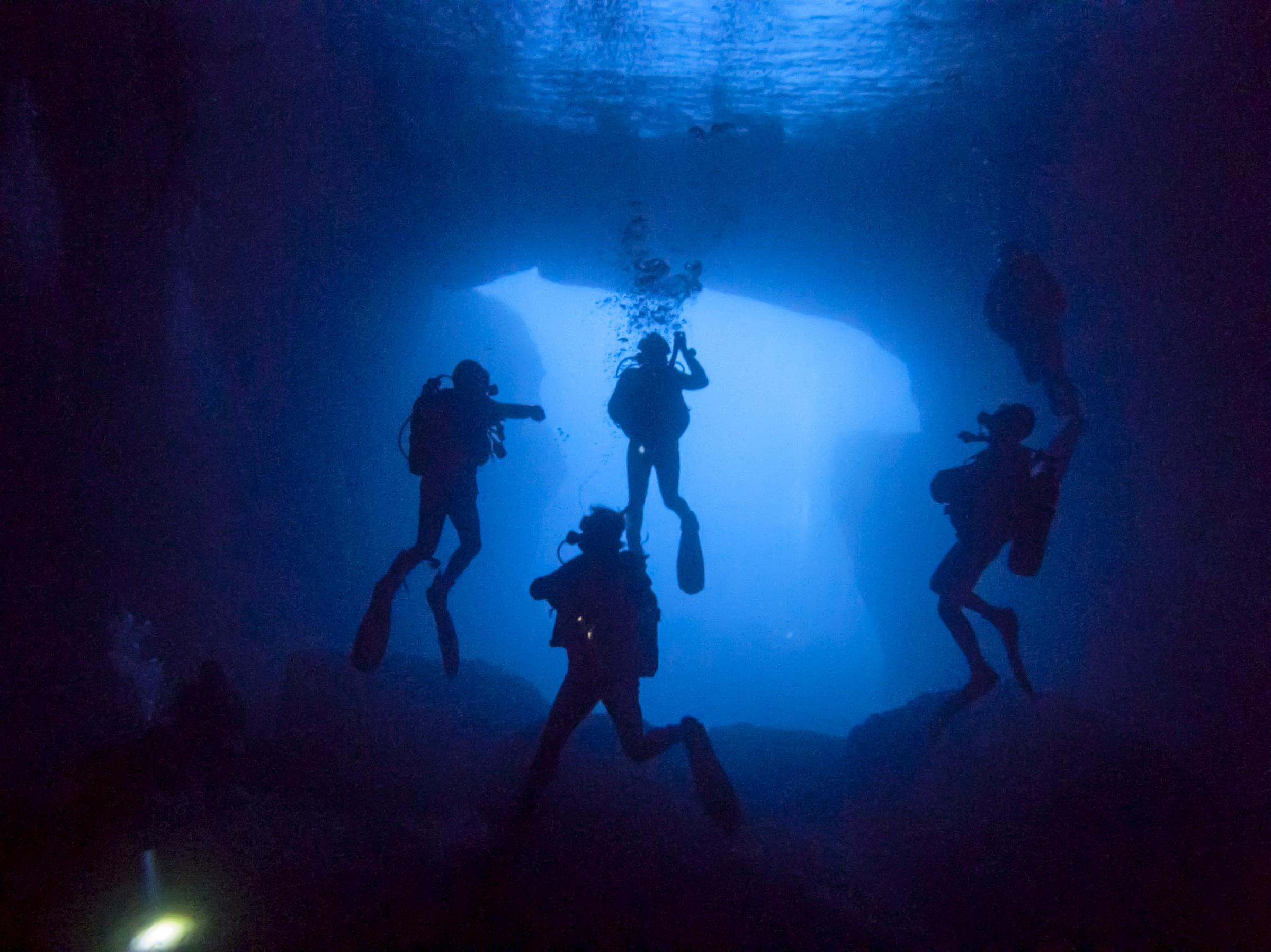 Divers inside Blue Dome