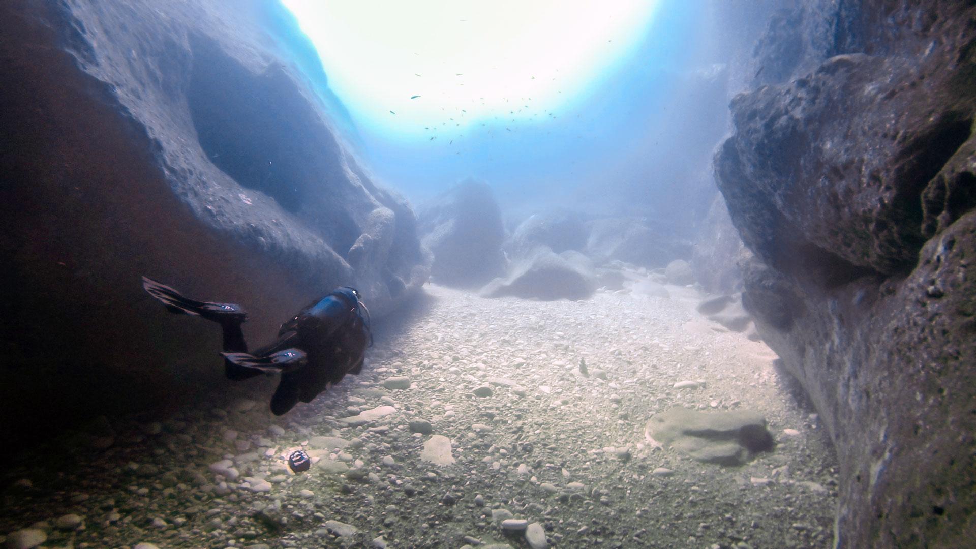 Ras Il-Kanun cavern