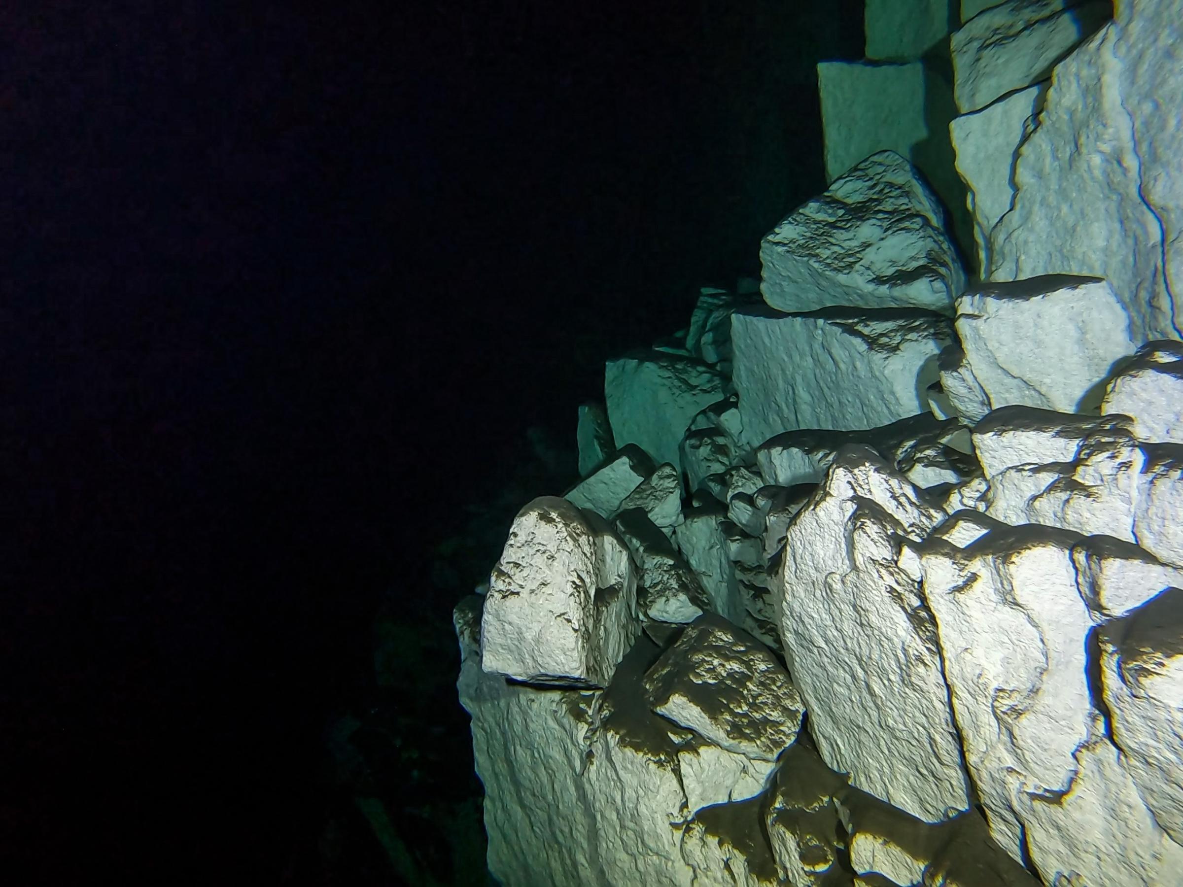 Harq Hamiem Cave [Adam Sant]