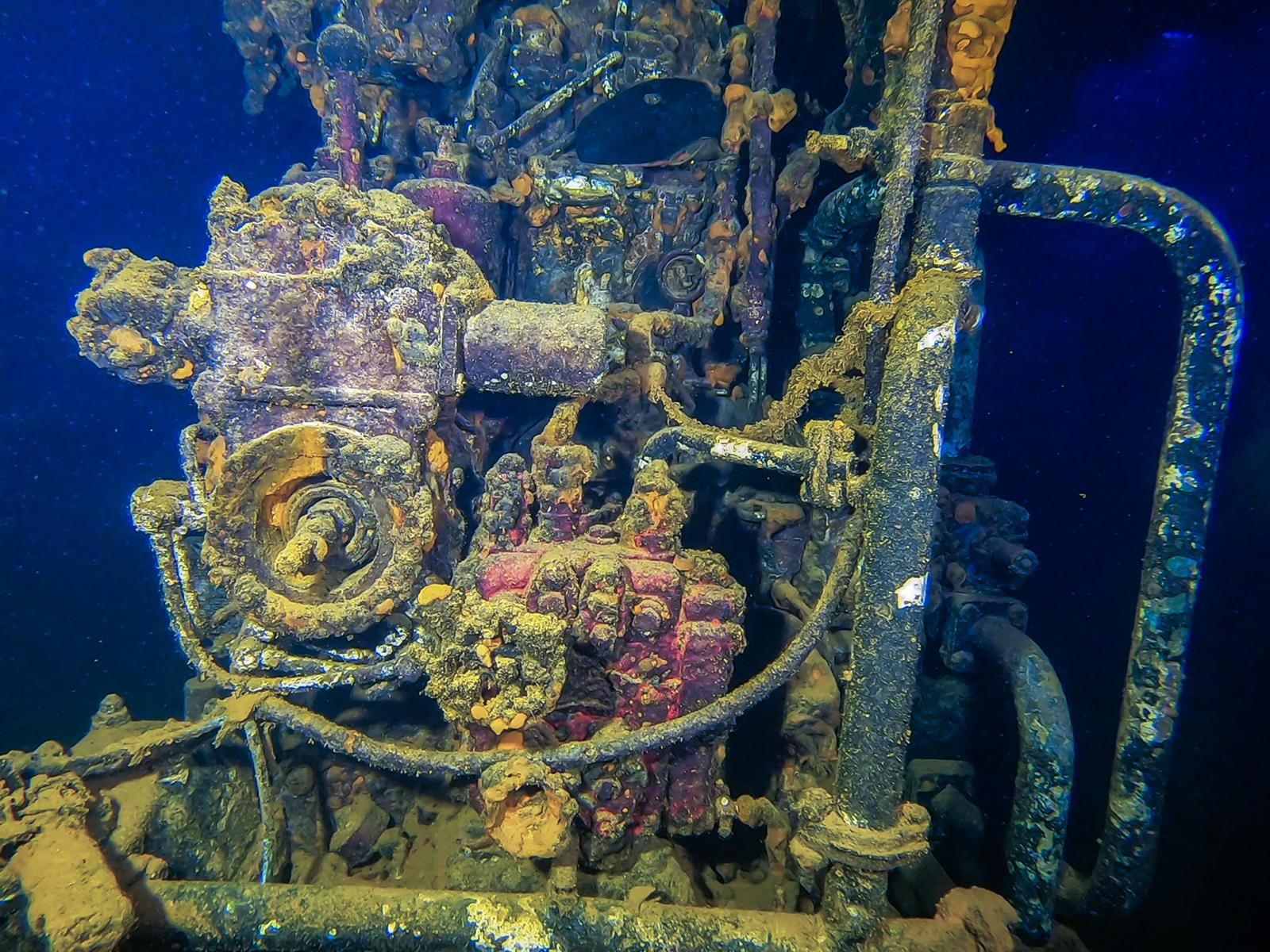 Engine room [Adam Sant]