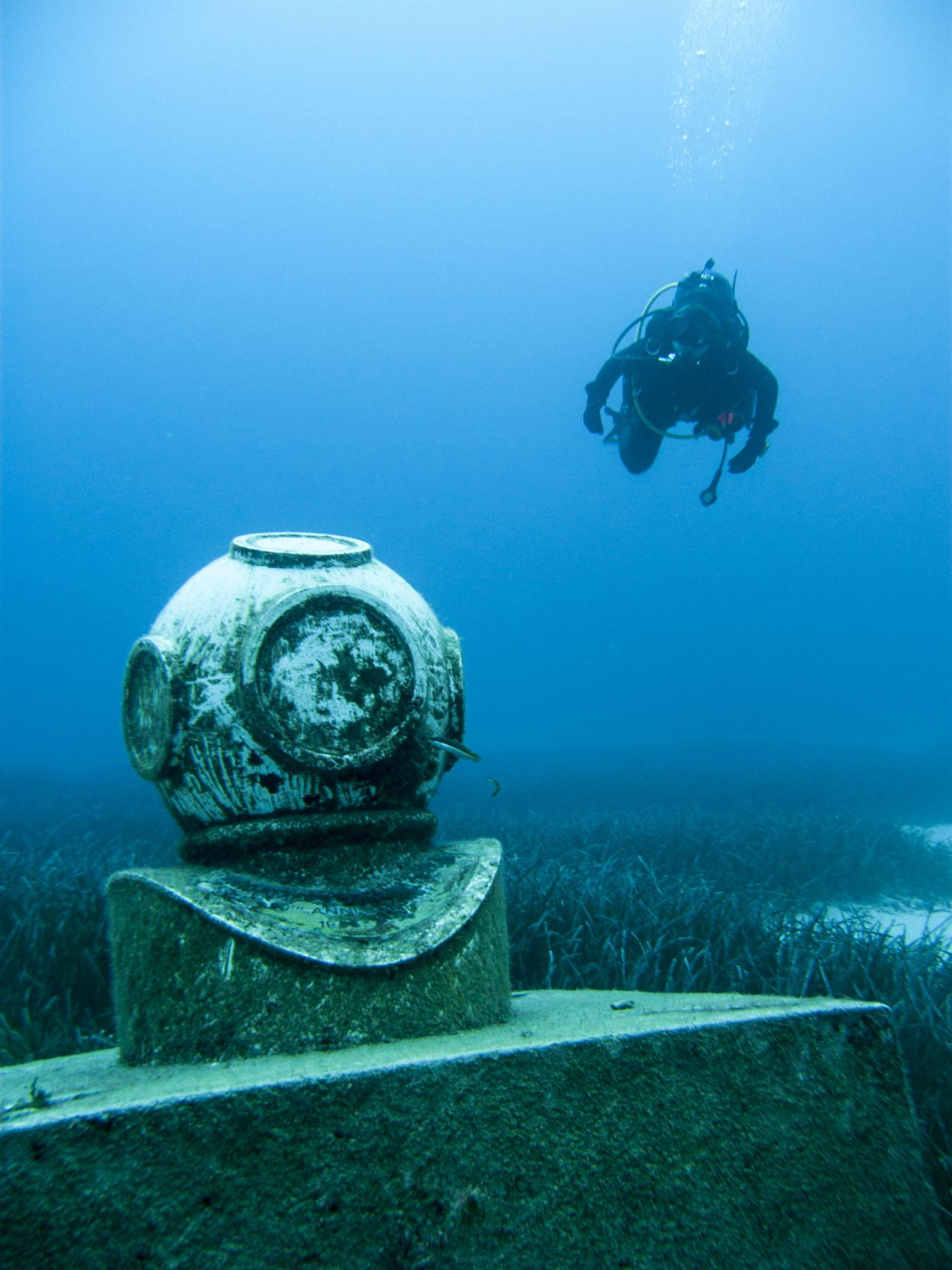 Diving helmet statue