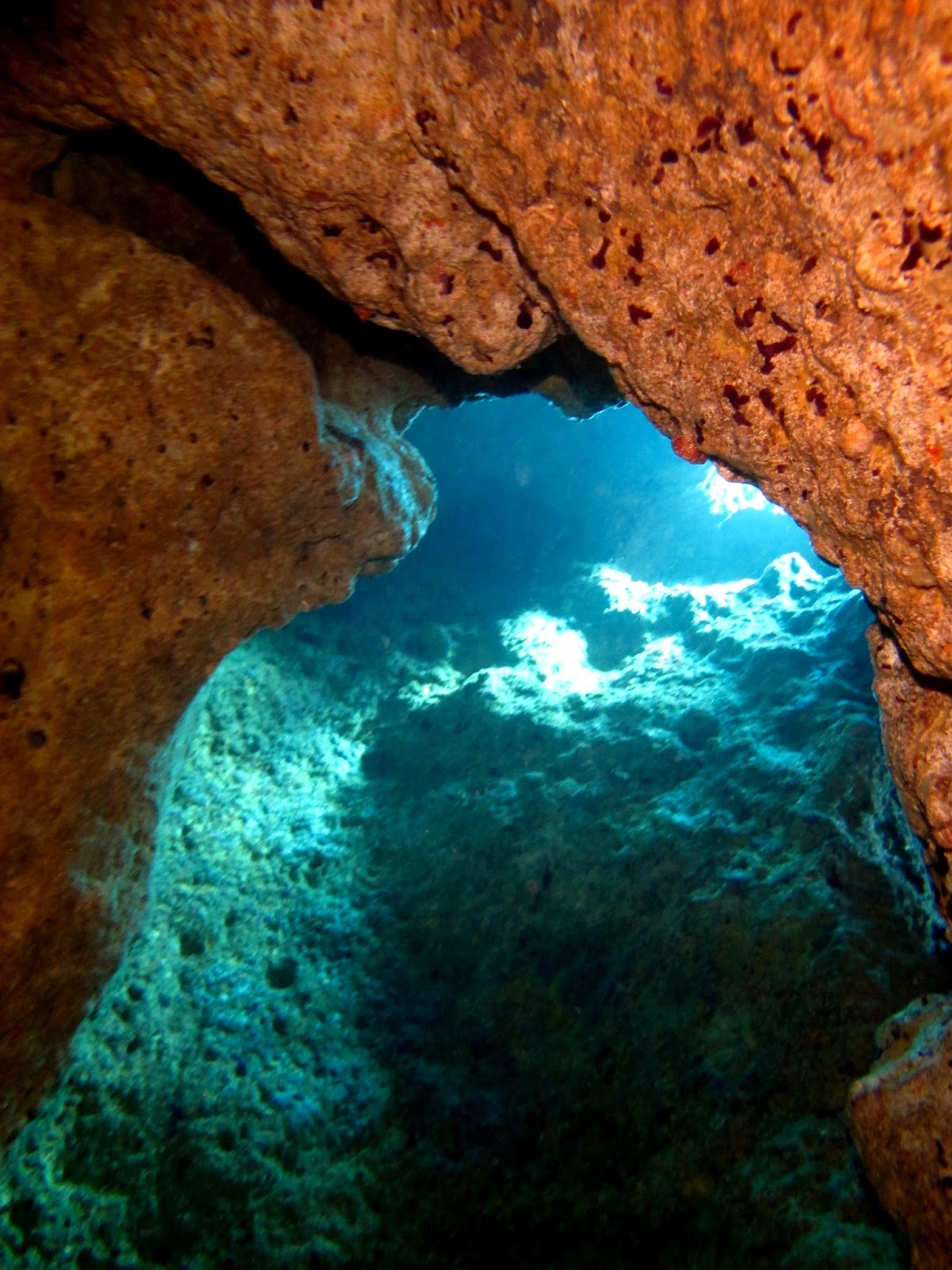 Xghajra Reef tunnels [Tech Diving Malta]